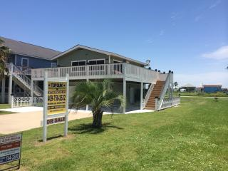 MARGARITAVILLE GREAT BEACH HOUSE FOR RENT! - Crystal Beach vacation rentals