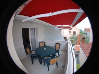 Nice 1 bedroom Sukosan Apartment with Internet Access - Sukosan vacation rentals