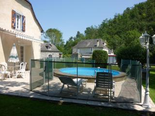 Cozy 2 bedroom Gite in Louvie-Juzon - Louvie-Juzon vacation rentals