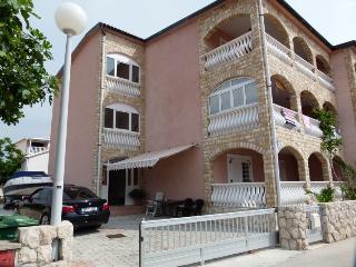Nice 1 bedroom House in Vir - Vir vacation rentals