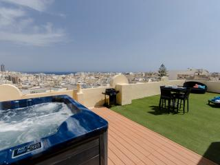 030 Astounding views 2-bed pth with large terrace - Sliema vacation rentals