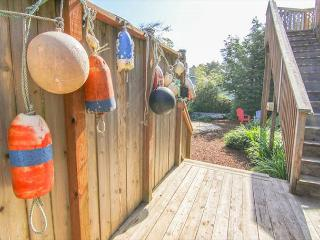 Beautiful Lincoln City Cottage with Foosball, Ping Pong, Air Hockey - Lincoln City vacation rentals