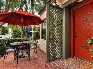 Ruby Ave - Quaint, Charming & Unique 3 BED / 2 BATH Balboa Island Cottage - Newport Beach vacation rentals