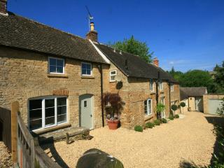 Orchard Cottage, near Stow on the Wold - Upper Oddington vacation rentals
