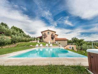 Villa Meraviglia private swimming pool Tuscany - Monte San Savino vacation rentals