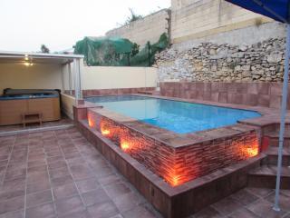 Holiday Villa in Marsascala with Pool & Jacuzzi - Marsascala vacation rentals