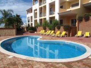 Oceanus Jardim (1 bed/2 bath) First Floor OJ003Q - Olhos de Agua vacation rentals