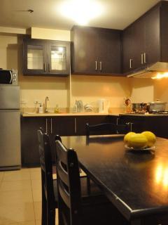 3 Br. Ridgewood Towers, Near SM Aura and BGC - Taguig City vacation rentals