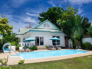 Baan Rim Haad Luxury Villa - Lamai Beach vacation rentals