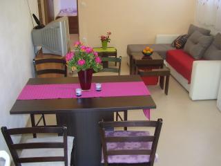 Apartman Matko (2+2) near Trogir, near the sea - Kastel Stafilic vacation rentals