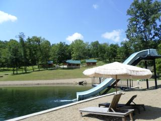 Perfect 1 bedroom Frazeysburg Cabin with A/C - Frazeysburg vacation rentals