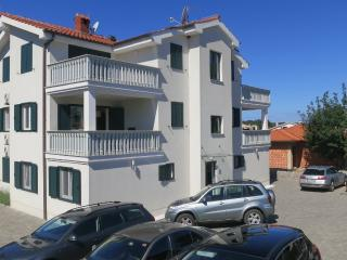 Apartment Miran 2 for 4 people near the sea - Vantacici vacation rentals