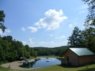 Nice 1 bedroom Frazeysburg Cabin with A/C - Frazeysburg vacation rentals