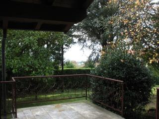 Cozy Villa with Deck and Internet Access - Barasso vacation rentals