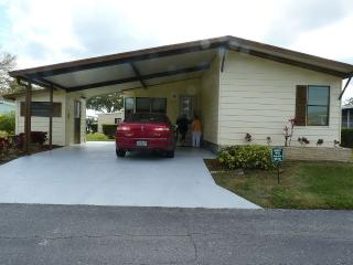 Welcome To This Lovely 2 Bd/2 Bth, Near Siesta Key - Sarasota vacation rentals
