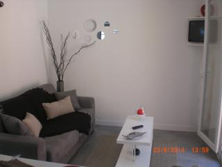 Nice Studio with Parking Space and Television - Cap-d'Agde vacation rentals