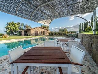 Bright 3 bedroom Grosseto House with Private Outdoor Pool - Grosseto vacation rentals