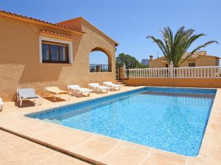 Comfortable 3 bedroom Calpe Villa with Internet Access - Calpe vacation rentals