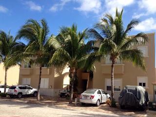 Nice 3 bedroom Condo in Puerto Aventuras - Puerto Aventuras vacation rentals