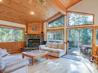 3BR home w/deck; private hot tub; gourmet kitchen - Tahoe Vista vacation rentals