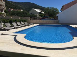 VILLA JADRANKA (MIMOZA 2+1) - Bol vacation rentals