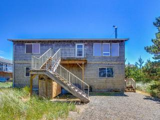 Beautiful home for eight guests five minutes from the beach! - Pacific City vacation rentals