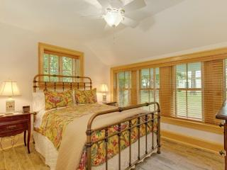Unique  English Country Cottage - East Marion vacation rentals