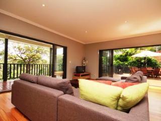 Gorgeous 4 bedroom Elizabeth Beach House with Dishwasher - Elizabeth Beach vacation rentals