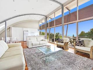 Nice 3 bedroom House in Blueys Beach with A/C - Blueys Beach vacation rentals