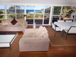 3 bedroom House with Television in Blueys Beach - Blueys Beach vacation rentals