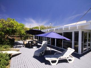 Nice 3 bedroom Blueys Beach House with DVD Player - Blueys Beach vacation rentals