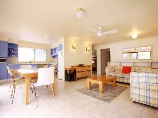 Nice 4 bedroom Vacation Rental in Smiths Lake - Smiths Lake vacation rentals