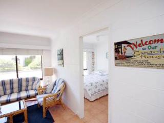 Villa Manyana Unit 22 - Blueys Beach Villa - Blueys Beach vacation rentals