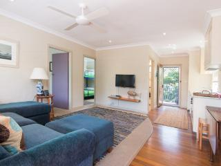 Comfortable Villa with Television and DVD Player - Blueys Beach vacation rentals