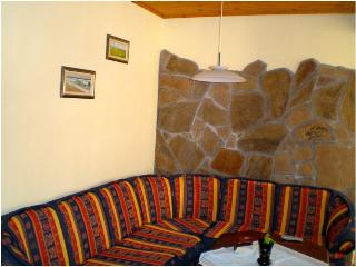 Beautiful 2 bedroom Apartment in Obzor with Internet Access - Obzor vacation rentals