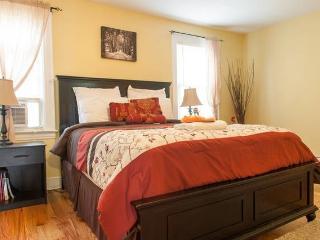 4 bedroom House with Internet Access in Queens - Queens vacation rentals