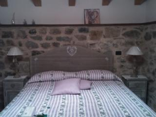 Cozy 2 bedroom Apartment in Zeri - Zeri vacation rentals