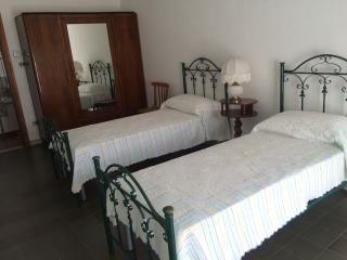 Cozy 3 bedroom Lamezia Terme House with Deck - Lamezia Terme vacation rentals