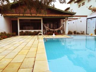 Casa grande com piscina / Huge house with pool - Lauro de Freitas vacation rentals