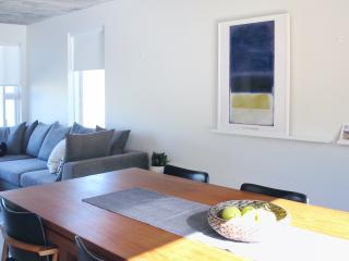 Natura Apartments: Modern 3 BDR flat with WiFi - Laugar vacation rentals