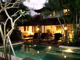 Villa Surin, 10% discount 8 nights or more, stunning Villa in prime location. - Legian vacation rentals