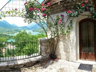 "Panoramic apartment - ""Baretto"" - Barrea vacation rentals"
