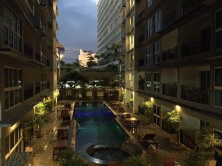 Condo for rent Central Pattaya,with a pool view,fully furnished,good location. - Pattaya vacation rentals