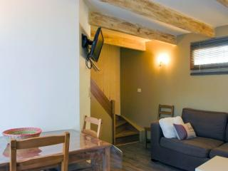 Nice Gite with Internet Access and Wireless Internet - Merindol vacation rentals