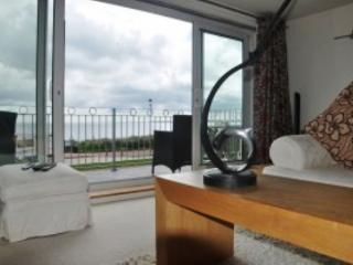 Luxury Pwllheli Beach Town House - Fabulous Views! - Pwllheli vacation rentals