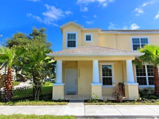 3 Bed Townhome with Private Pool (17401-SEREN) - Orlando vacation rentals