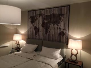 Apartment - Suite am Fluss, wohnen mit Traumblick im Herzen der Altstadt ! - Heidelberg vacation rentals