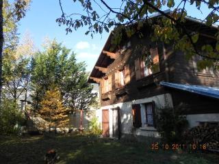 Chalet Les Chamois à louer à Risoul 05600. 3 chambres, 1 sdb, parle français - Risoul vacation rentals