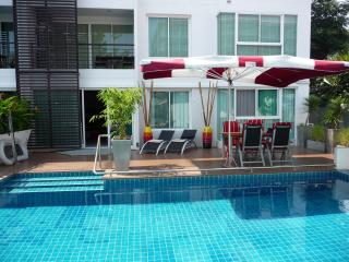 Condo55, wheelchair access, high low level beds - Hua Hin vacation rentals
