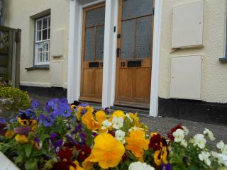 No.10 Broad St, Padstow Centre, Maypole Cottages - Padstow vacation rentals